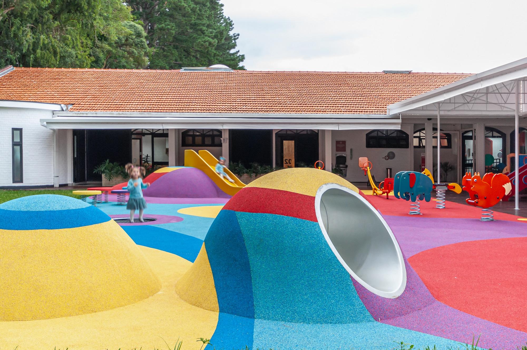 Red House School Playground / STUDIO DLUX + Rubber Brasil